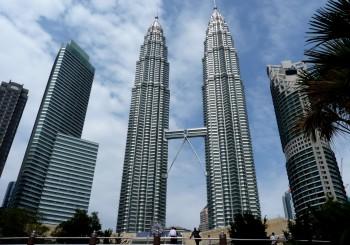 The_Petronas_Twin_Towers_in_Kuala_Lumpur_(Malaysia)